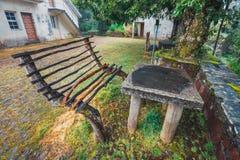 Riparo sul modo ai fontes di Levada das 25, isola del Madera, Portogallo Fotografia Stock
