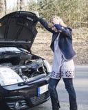Ripartizione dell'automobile della donna Fotografia Stock