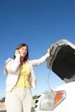 Ripartizione dell'automobile della donna Fotografia Stock Libera da Diritti