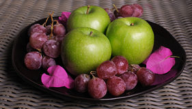 Ripe apples and grapes Royalty Free Stock Image