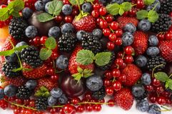 Free Ripe Blackberries, Blackberries, Strawberries, Red Currants, Peaches And Plums. Mix Berries And Fruits. Top View. Background Berri Stock Photo - 118402280