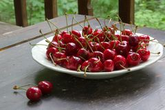 Ripe cherries on the table Royalty Free Stock Photos