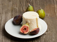 Free Ripe Fig Fruits And Cheese Stock Photography - 20394692