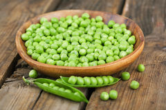 Ripe green peas Stock Photos