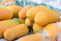 Ripe papayas for sell Royalty Free Stock Photos