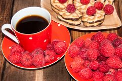 Ripe raspberry and coffee cup, Stock Photos