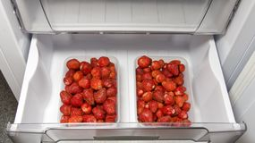 The ripe strawberries in the_freeze_1 Stock Photos
