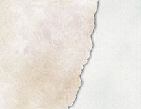 Riped uitstekend document op grungeachtergrond gescheurd oud document vector illustratie