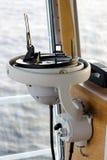 Ripetitore della bussola di girobussola con il cerchio azimutale immagini stock libere da diritti
