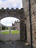 Ripley是一个村庄和民用教区在北约克郡在英国,在Harrogate北部的一些英里 建于的城堡第15 免版税库存照片