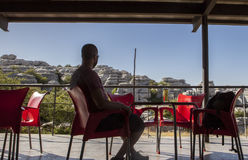 Riposando sul ristorante esplicativo del centro a Torcal de Antequera Immagine Stock