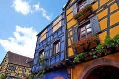 Riquewihr França, janela com flores Fotografia de Stock