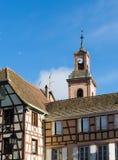 RIQUEWIHR, FRANKRIJK EUROPA - 24 SEPTEMBER: Kleurrijke gebouwen binnen Royalty-vrije Stock Foto