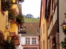 Riquewihr winnica i ulica Obraz Royalty Free