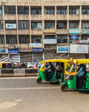 Riquexós de Tuk Tuk em Deli durante o dia Imagem de Stock