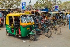 Riquexós de Tuk Tuk em Deli durante o dia Foto de Stock Royalty Free