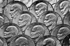 Riqueza americana e riquezas do dinheiro das moedas de prata fotografia de stock