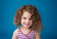 Rire de sourire d'enfant heureux Photo stock