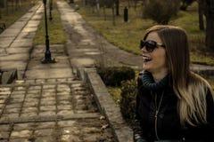 Rire heureux de fille Image stock