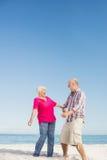 Rire supérieur drôle de couples Photographie stock libre de droits