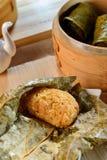 Ris av disk för skal för lotusblommabladpärla i den Vietnam restaurangen Royaltyfri Fotografi