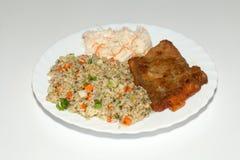 ris med fisch och grönsaken Royaltyfri Fotografi