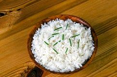 Ris med gräslökar Arkivfoto