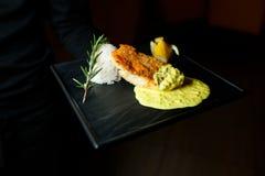 Ris med stekt sur kryddig sås för fisk sött Arkivbild