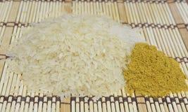 Ris och curry på den matta makisuen Royaltyfria Foton