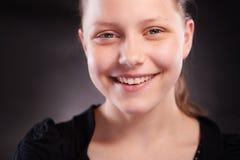 Risa adolescente de la muchacha Foto de archivo