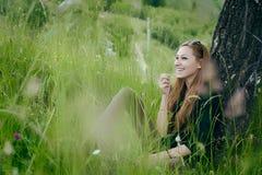 Risa hermosa de la mujer Fotos de archivo