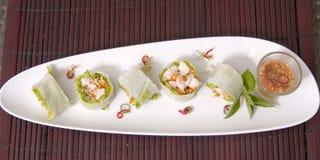 Risarket för den nya grönsaken rullar thai stil Royaltyfri Bild