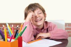 Risas jovenes del estudiante Fotografía de archivo libre de regalías