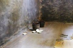 Risbunke och stor ätare i mörkt rum Royaltyfri Fotografi