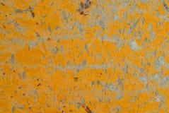 Riscado na textura do metal amarelo fotografia de stock royalty free