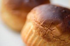 Riscaldi il pane servito per la prima colazione Immagini Stock