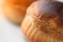Riscaldi il pane servito per la prima colazione Fotografia Stock