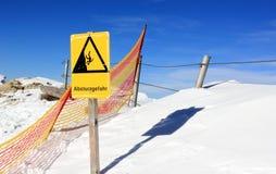 Rischio di caduta! La montagna di Nebelhorn nell'inverno Alpi, Germania Immagine Stock