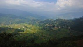 Risfält terrasserade på av Mu Cang Chai, YenBai, Vietnam arkivfilmer