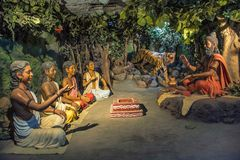 Rishi Patanjali die lessen geven aan zijn Gurukul, Kaneri-Wiskunde, Kolhapur, Maharashtra Stock Afbeelding