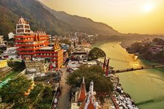 Rishikesh, город Индия йоги, Gange River Valley, Ganga, Uttarakhand стоковая фотография