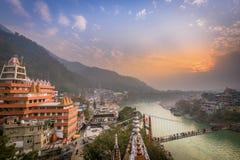 Rishikesh, ciudad la India, Gange River Valley, Ganga, Uttarakhand de la yoga foto de archivo