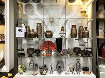 RISHON LE锡安,以色列2017年12月29日:不同的纪念品在商店被卖 库存图片