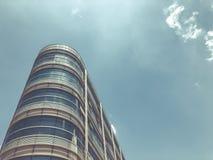 RISHON LE СИОН, ИЗРАИЛЬ - 18-ОЕ ИЮНЯ 2018: Здание здание муниципалитета в Rishon Le Сионе, Израиле стоковые фотографии rf