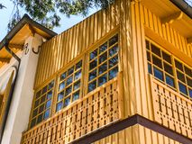 RISHON LE СИОН, ИЗРАИЛЬ - 18-ОЕ ИЮНЯ 2018: Частные современные дома на улицах в Rishon Le Сионе, Израиле Стоковая Фотография