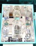 RISHON LE ZION, ΙΣΡΑΗΛ 12 ΙΑΝΟΥΑΡΊΟΥ 2018: Ένα μπουκάλι του αρώματος της Tiffany και επιχείρησης μέσα στο κατάστημα Rishon LE Zio Στοκ φωτογραφία με δικαίωμα ελεύθερης χρήσης