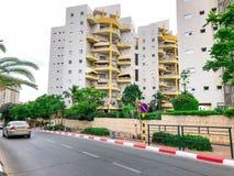 RISHON LE ZION, ISRAËL - 7 MAI 2018 : Haut bâtiment résidentiel dans Rishon Lezion, Israël image stock