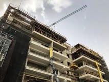 RISHON LE ZION, ISRAËL 24 MARS 2018 : Vue d'un chantier de construction d'un nouveau bâtiment dans la ville de Rishon Lezion, Isr Photo stock