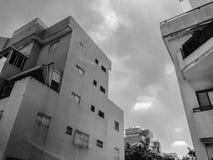 RISHON LE ZION, ISRAEL - 18. JUNI 2018: Hohes Wohngebäude in Rishon Le Zion, Israel Stockbilder