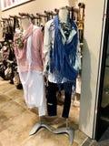 RISHON LE ZION, ISRAELE 12 GENNAIO 2018: Dentro il negozio di vestiti al grande magazzino di Azrieli in Rishon Le Zion Fotografie Stock Libere da Diritti